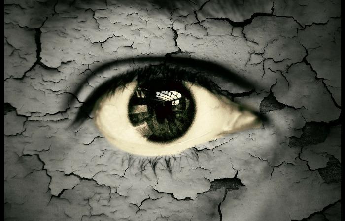 Czy wydzielina z oczu jest potencjalnie niebezpieczna?
