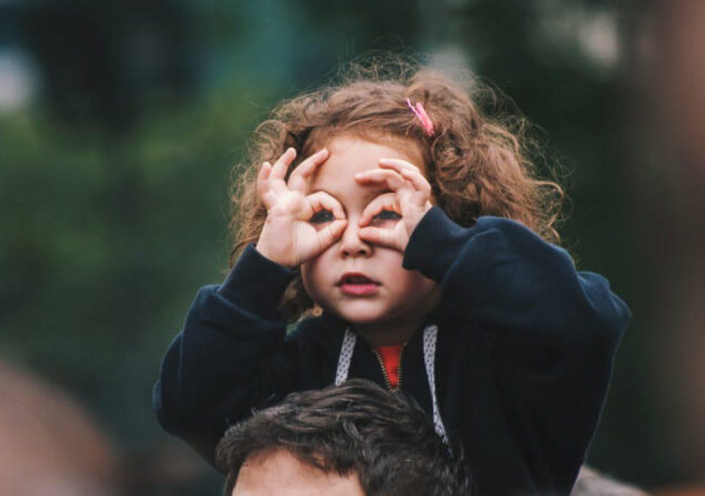 Wzrastająca liczba krótkowzrocznych dzieci. Jak temu przeciwdziałać?